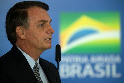 Bolsonaro reitera que impulsará cambios en Petrobras tras provocar una crisis