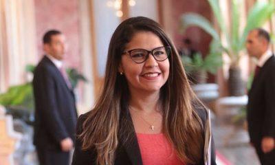Ministra contó que está embarazada, y la reacción del marido tras entrar a Tacumbú
