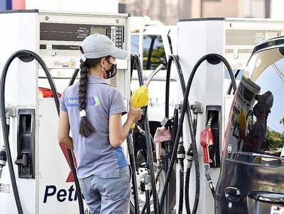 Prácticamente todos los emblemas, excepto Petropar, ya subieron el precio de los combustibles
