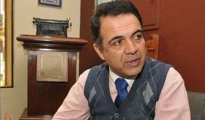 Querellado dice que periodista deportivo debe demostrar que no recibe sueldazo de la APF