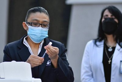 Un 60 por ciento del lote de vacunas será aplicado entre personal de salud de Capital y Central