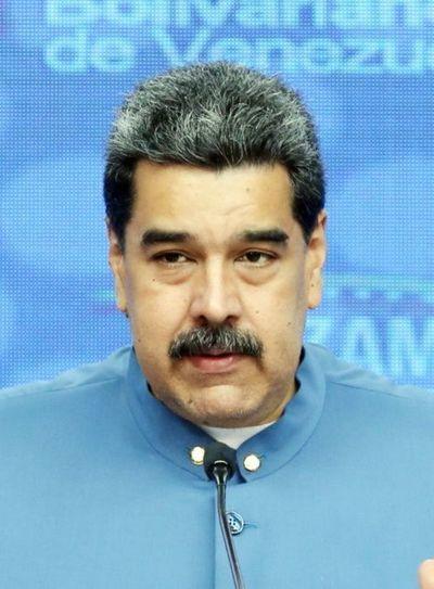 Chavismo pide invertir a petroleras de los EE.UU.