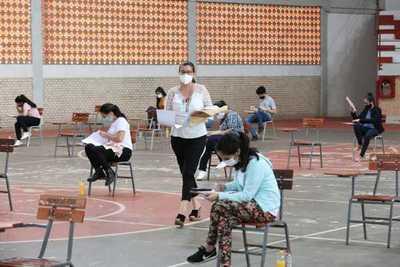 Becas Itaipu-Becal cierra con 891 nuevos becarios universitarios