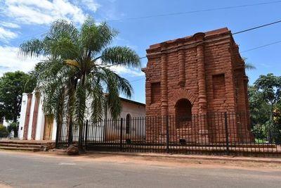 Rechazan obra de restauración de torre jesuítica de Santa Rosa