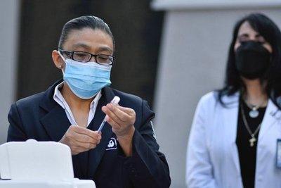 Coronavirus: Chile anunció su plan de vacunación a domicilio para mayores de 65 años