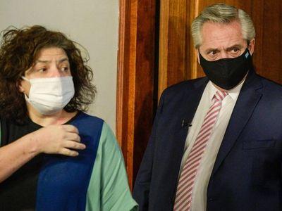 """El escándalo de la """"vacunación VIP"""" crece en Argentina y llega a la Justicia"""