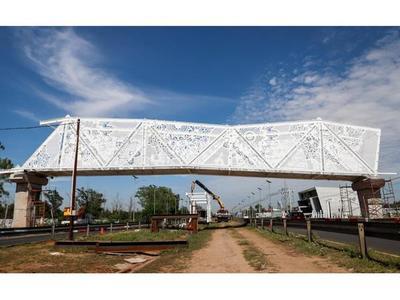 DNCP  halló  inconsistencias  en construcción de   pasarela