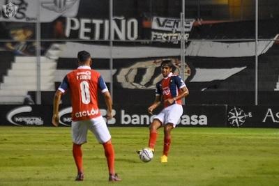 Este domingo se disputan dos partidos por la Fecha 4 del Apertura