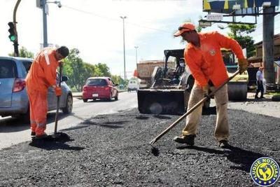 Cerrarán calles céntricas por bacheos •