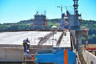 Inician corrimiento del primer tablero en el lado paraguayo del Puente de la Integración