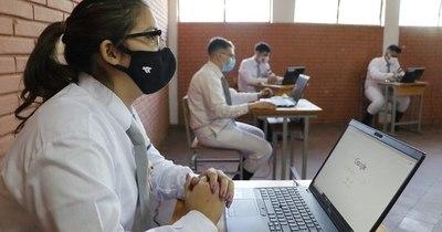 La Nación / Hasta el 25 de febrero se podrá elegir entre clase presencial o virtual