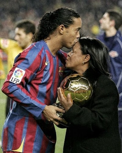 Covid-19: Falleció la mamá de Ronaldinho