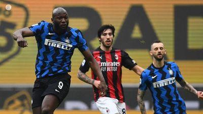 Inter gana el derbi al Milan