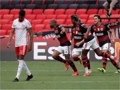 Flamengo desplaza al Inter y es nuevo líder