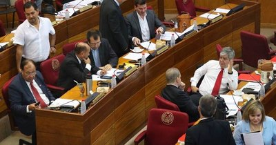 La Nación / Parlamentarios se despiden de sus vacaciones y deben retornar