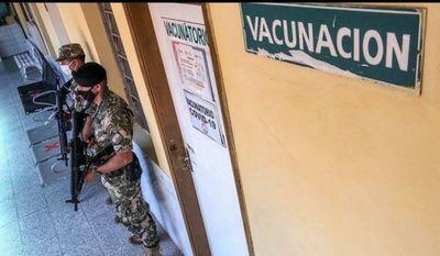 Se inicia hoy la vacunación anticovid en medio de críticas y desconfianza