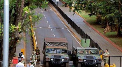 Foz de Yguazú decreta toque de queda y pide barrera en Puente de la Amistad