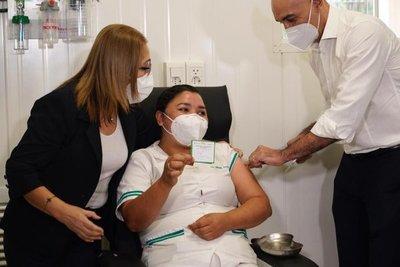 Se inició la campaña de vacunación contra el Coronavirus