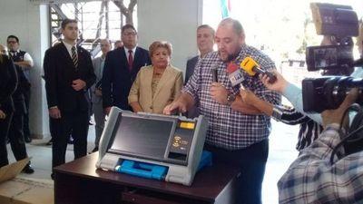 Hoy realizan distribución de máquinas de votación a nivel país para capacitar a la ciudadanía