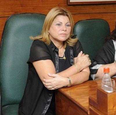 Tras lluvia de críticas por homenaje al Presidente, posponen acto por el Día de la Mujer Paraguaya