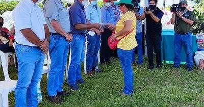 La Nación / Bertoni destaca asistencia por valor de G. 1.000 millones a productores de Caaguazú
