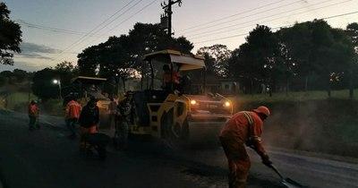 La Nación / Ejecutan últimos kilómetros de pavimentación en Caazapá
