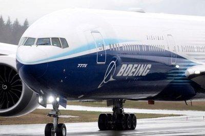 Boeing recomendó no usar sus aviones 777 tras falla en el motor