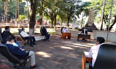 Concejales de Minga Guazú sesionan en el patio