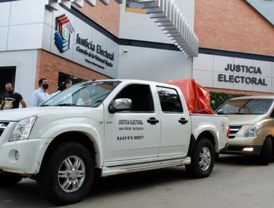 Distribuyen urnas electrónicas a registros electorales del país