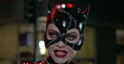 """Antiguo registro del set de """"Batman Returns"""" muestra la destreza de Michelle Pfeiffer con el látigo de Catwoman"""