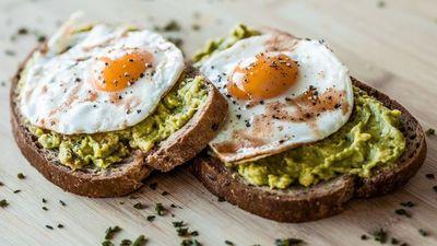 La salsa de aguacate holandesa ideal para tus desayunos