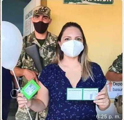 Nutricionista aclara que es personal de UTI del Hospital General de San Lorenzo y que su vacunación no tiene vínculo político