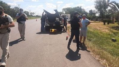 Detienen a dos personas que transportaban marihuana en una camioneta