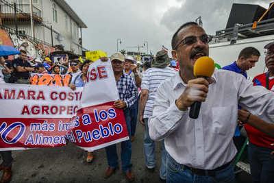 La reforma al empleo público, un polémico plan para bajar el gasto en Costa Rica