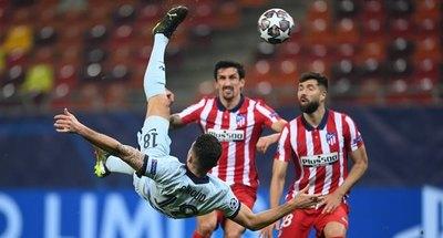 Un golazo de Giroud le da al Chelsea ventaja ante Atlético Madrid