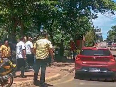 CDE: Choferes   piden garantías para trabajar tras agresiones de taxistas
