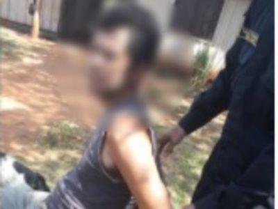 Golpeó a su ex  y quiso machetear a policías
