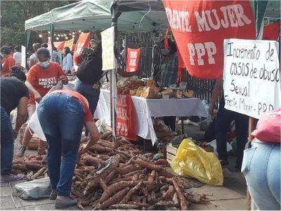 Donan 10.000 kilos de producción en el Día de la Mujer Paraguaya