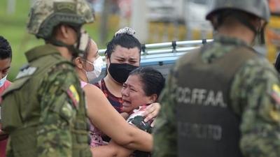 Al menos 75 muertos en una ola de violencia en varias cárceles de Ecuador
