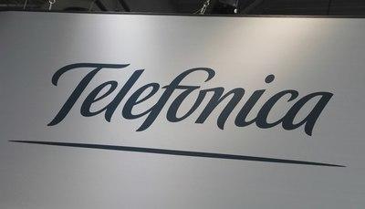 Telefónica negocia con inversor internacional para extender red de fibra óptica en Brasil