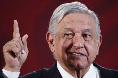 Presidente de México agradece la aprobación de su polémica reforma eléctrica