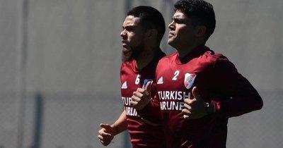 La 'advertencia' de Rojas a su amigo Paulo Díaz con miras a las Eliminatorias
