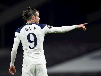 Tottenham golea y pasa a octavos