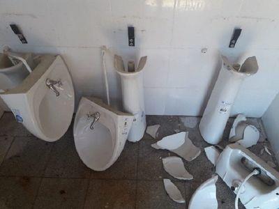 Destruyen baños dehumilde escuelaen San Ignacio