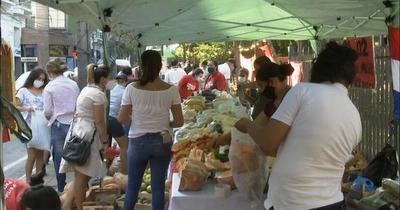 Campesinas donaron sus producciones por el Día de la Mujer Paraguaya