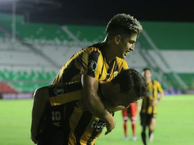 Guaraní arranca con goleada su incursión en la Copa