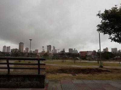 Meteorología pronostica un jueves caluroso e inestable