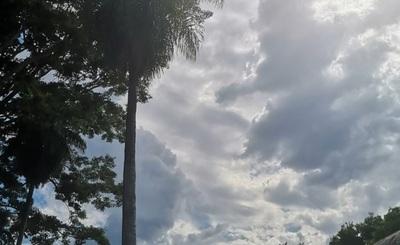Meteorología anuncia jueves caluroso y con posibilidad de lluvias dispersas