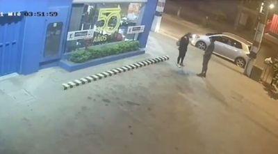 Brutal golpiza de un hombre a una mujer en Mariano Roque Alonso
