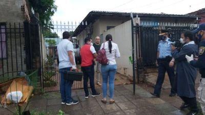 Allanan casa del bombero Rubén Valdez por supuesto caso de sextorsión